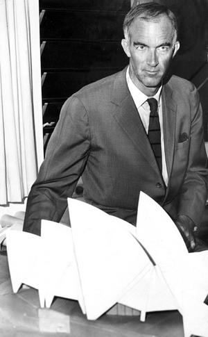Jørn Utzon with Sydney Opera House model